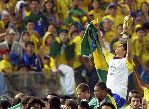 Mesmo sem ter feito nenhum jogo na Copa do Mundo, Kaká estava no grupo do penta (Foto: Gettyimages)