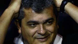 Ney Franco lamenta expulsão de Luis Fabiano, mas não condena o atleta (Foto: Getty Images)