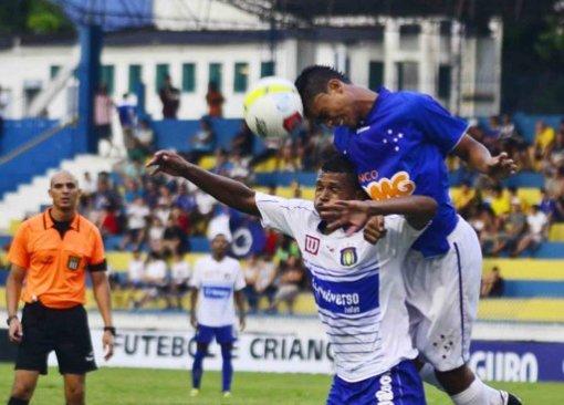Favoritismo não entrou em campo e o Cruzeiro apenas empatou na estreia (Foto: Estadão)