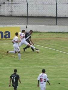 O Vasco bateu com dificuldades o Botafogo-SP (Foto: João Fagiolo / Globoesporte.com)