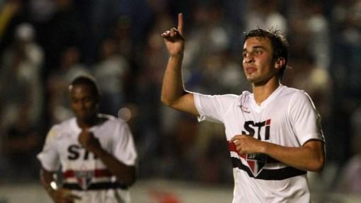 João Schmidt foi o grande destaque do time no jogo (Foto:Célio Messias / Agência Estado)