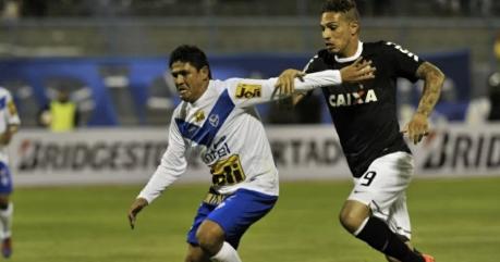 Guerrero foi um dos principais nomes do Corinthians no empate em 1 a 1 (Foto: AFP)