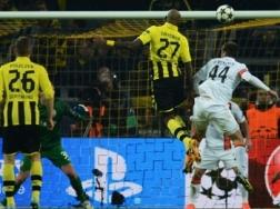 Felipe Santana subiu alto para fazer o primeiro gol (Foto: Getty Images)