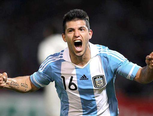 'Kun' Agüero, atacante do Machester City, pode retornar ao futebol espanhol (Foto: Divulgação/AFA)