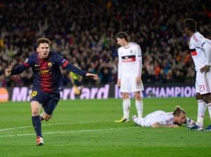 Lionel Messi comemora gol na vitória contra o Milan por 4 x 0(Foto: AP)