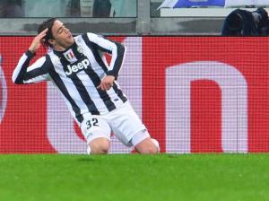 Legenda: Matri comemora seu gol, feito ainda no primeiro tempo. (Foto: AFP)