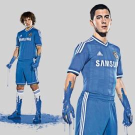David Luiz (fundo) e Eden Hazard participaram da ação (Foto: Divulgação)
