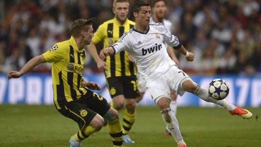 O jogo foi marcado por muita disputa entre as duas equipes (Foto: Getty Images)