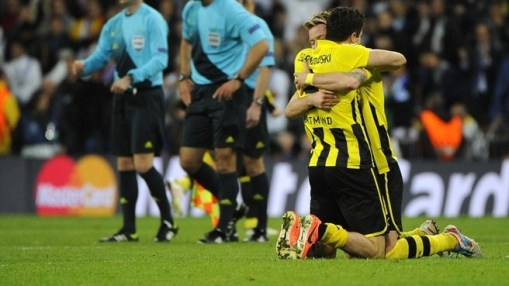 Reus e Lewandowski comemoram a vaga na final (Foto: Getty Images)