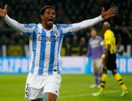 Eliseu marcou o gol que quase deu a classificação ao Málaga (Foto: Reuters)