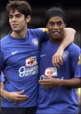 nem um, nem outro, Kaká e Ronaldinho estão fora (Foto: Getty images)