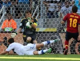 Casillas salvou a Espanha  (Foto: AP)