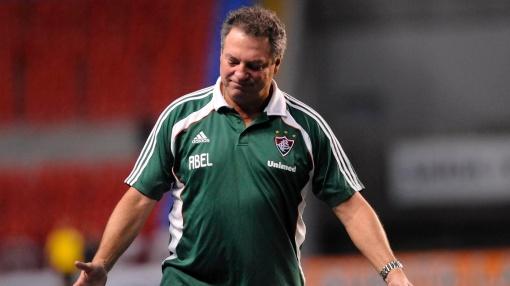Abel Braga não é mais o técnico do Fluminense (Foto: Dhavid Normando/Photocamera)