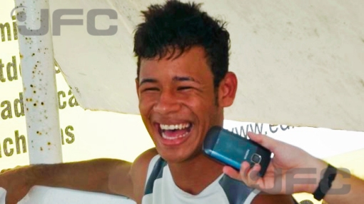 Tiago Neymarzinho não escondeu o lado descontraído durante a conversa (Foto: José Marcelo Diaz)
