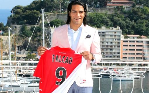 Falcao chegou a peso de ouro para o Monaco (Foto: AP)
