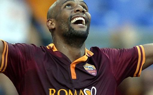 Maicon tenta recuperar o seu bom futebol com a camisa da Roma (Foto: Getty images)