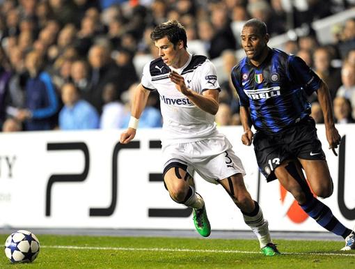 Atuação espetacular contra o Inter de Milão, do brasileiro Maicon (Foto: AFP)
