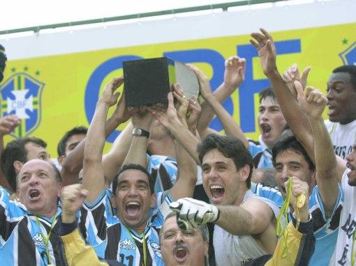 O Grêmio foi campeão depois de vencer o Corinthians por 3 a 1, em 2001 (Foto: wp.clicrbs.com.br)