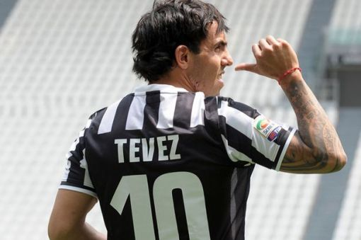 Após a saída de Del Piero, camisa 10 volta a ser usada por Tevéz (Foto: Getty images)